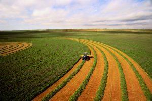 tractor yield farming land